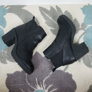 Urban Outfitters Chunky Heeled Black Slip on boot